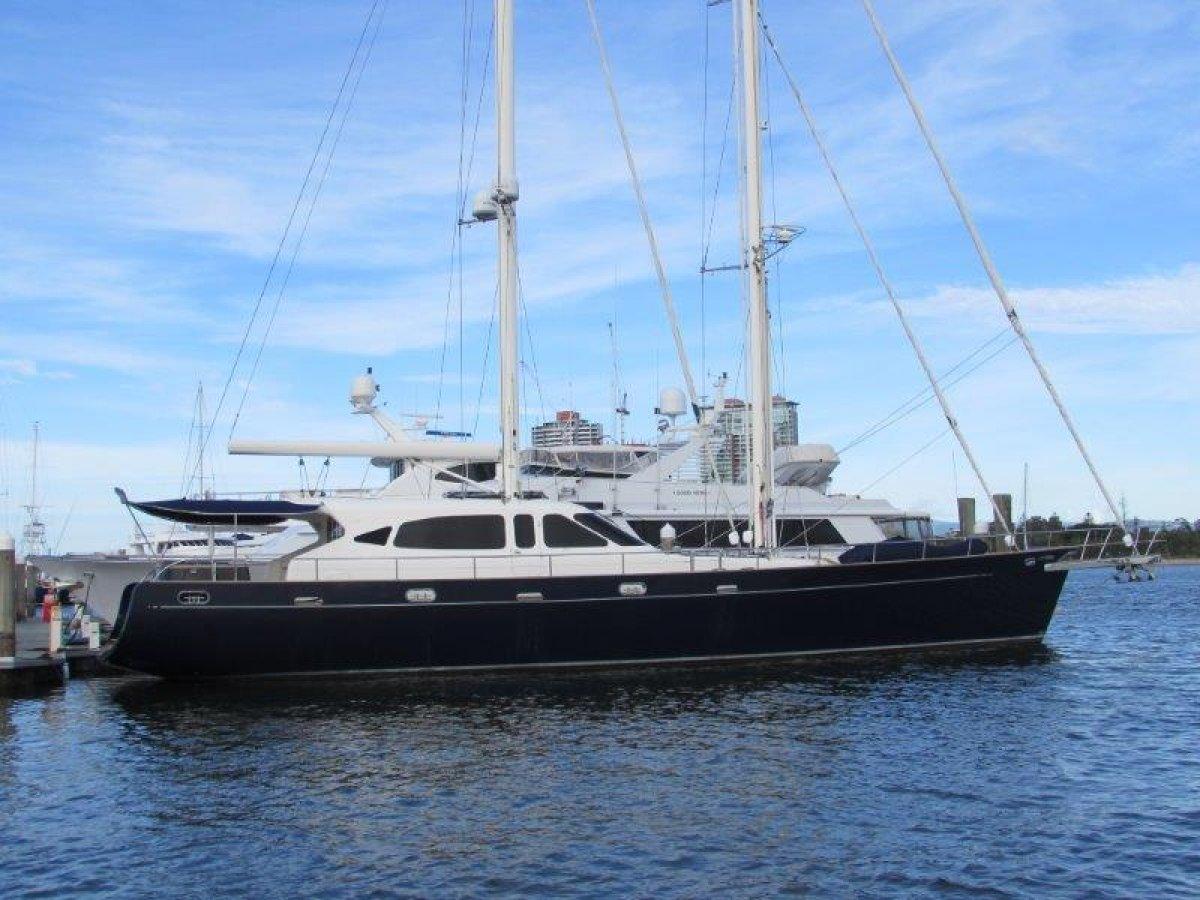 Huntress 94 Sailing Motor Yacht Custom