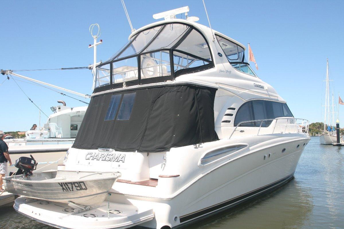 Sea Ray 540 Cockpit Motoryacht