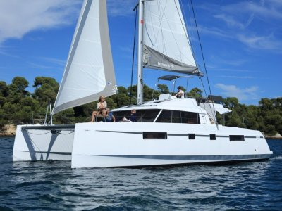 New Bavaria 46 Fly