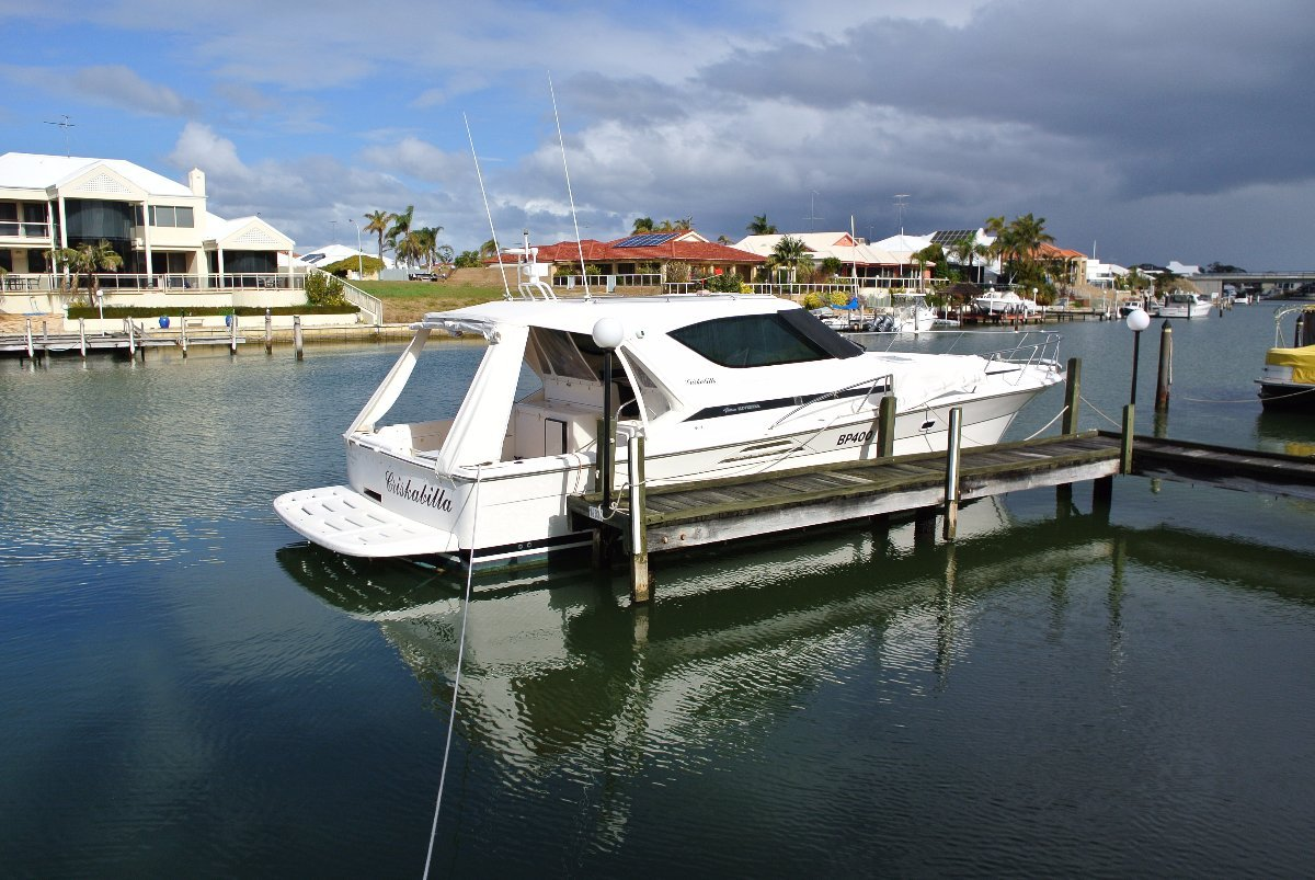 Riviera 4000 Offshore 2002 - the wait is over ***269,000***