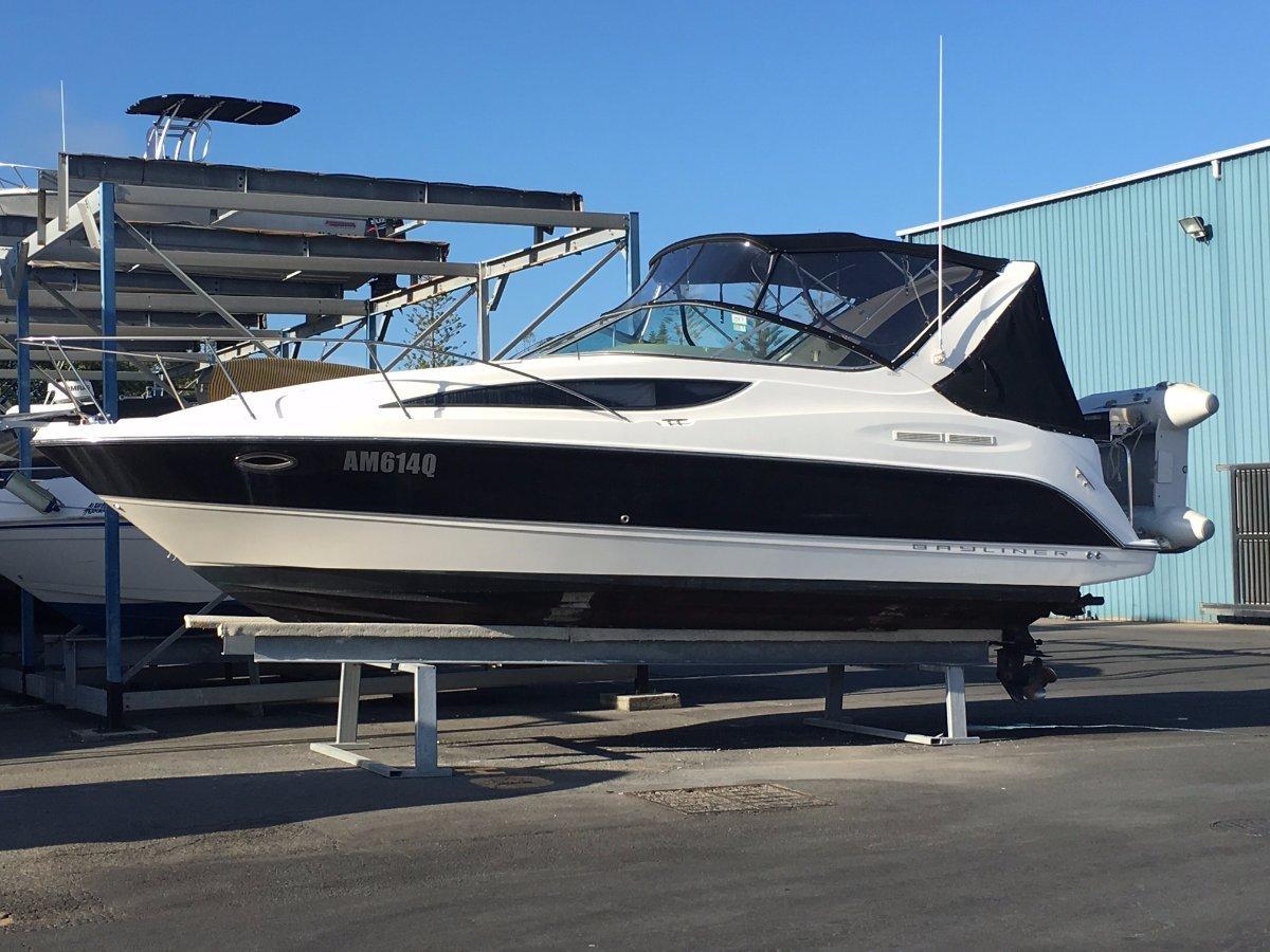 Bayliner 285 Cruiser Dry stored in marina