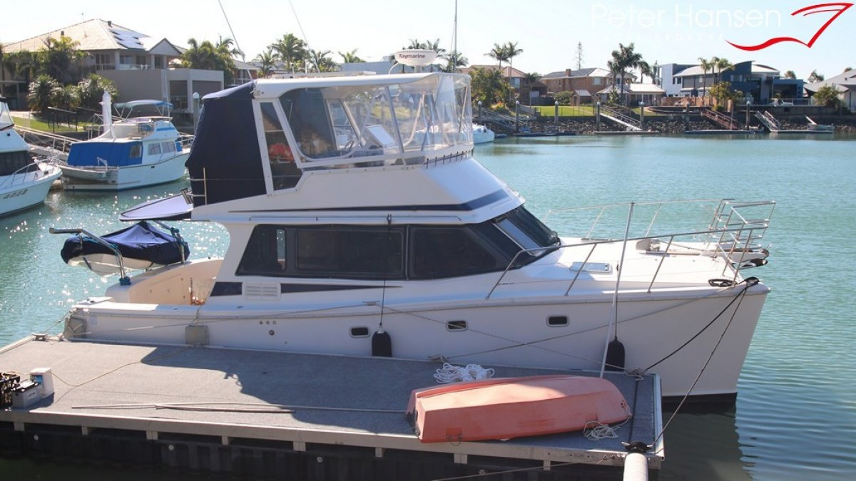 Scimitar 1010 Flybridge Power Catamaran