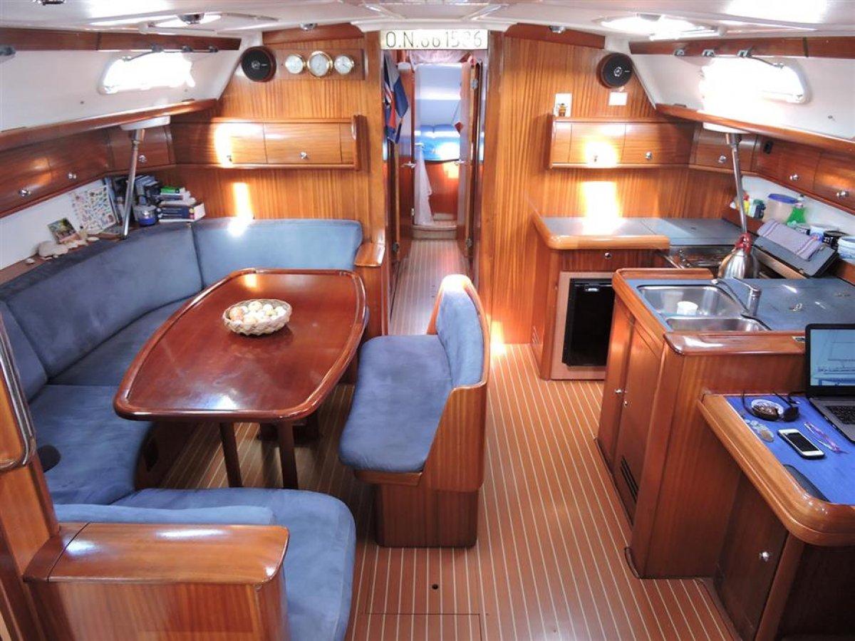 Bavaria Cruiser 50 2004 World Cruiser:Main Saloon