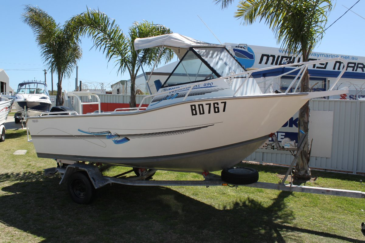 Tournament 490 runabout