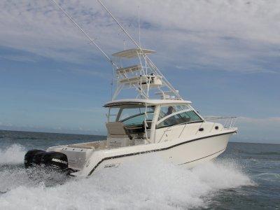 New Boston Whaler 345 Conquest