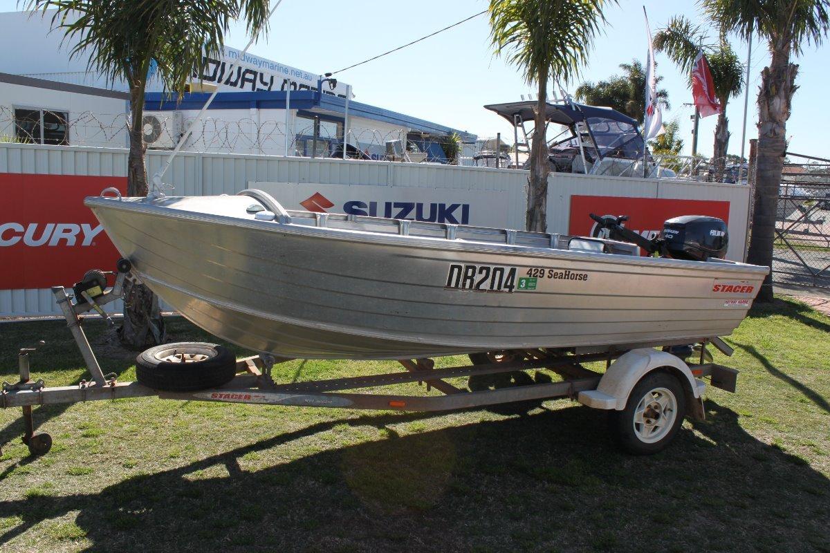 Stacer 429 Seahorse Open dinghy