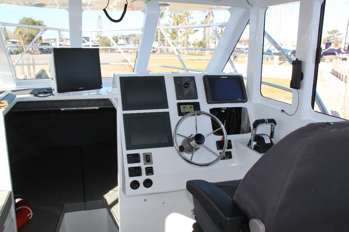 Saltwater Commercial Boats 10.5m Hardtop SALTWATER COMMERCIAL WORKBOATS
