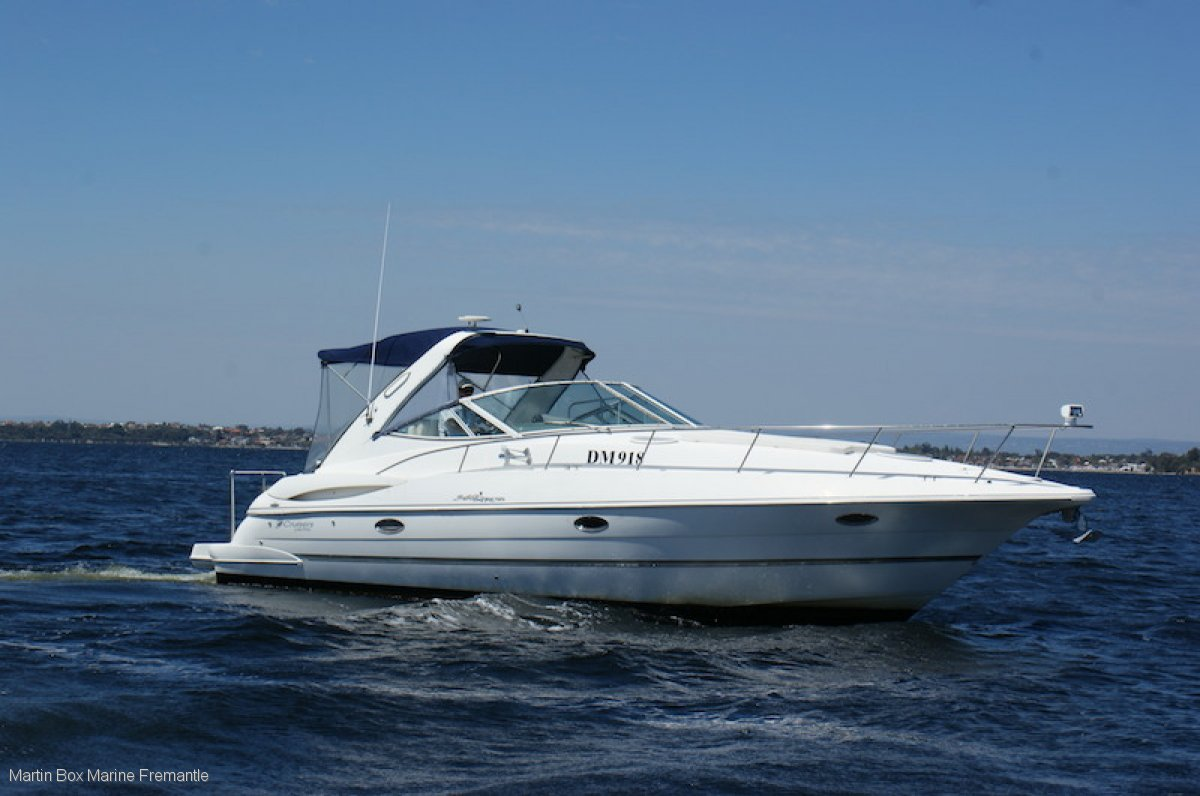 Cruisers Yachts 340 Express Twin Diesel Suit Riviera