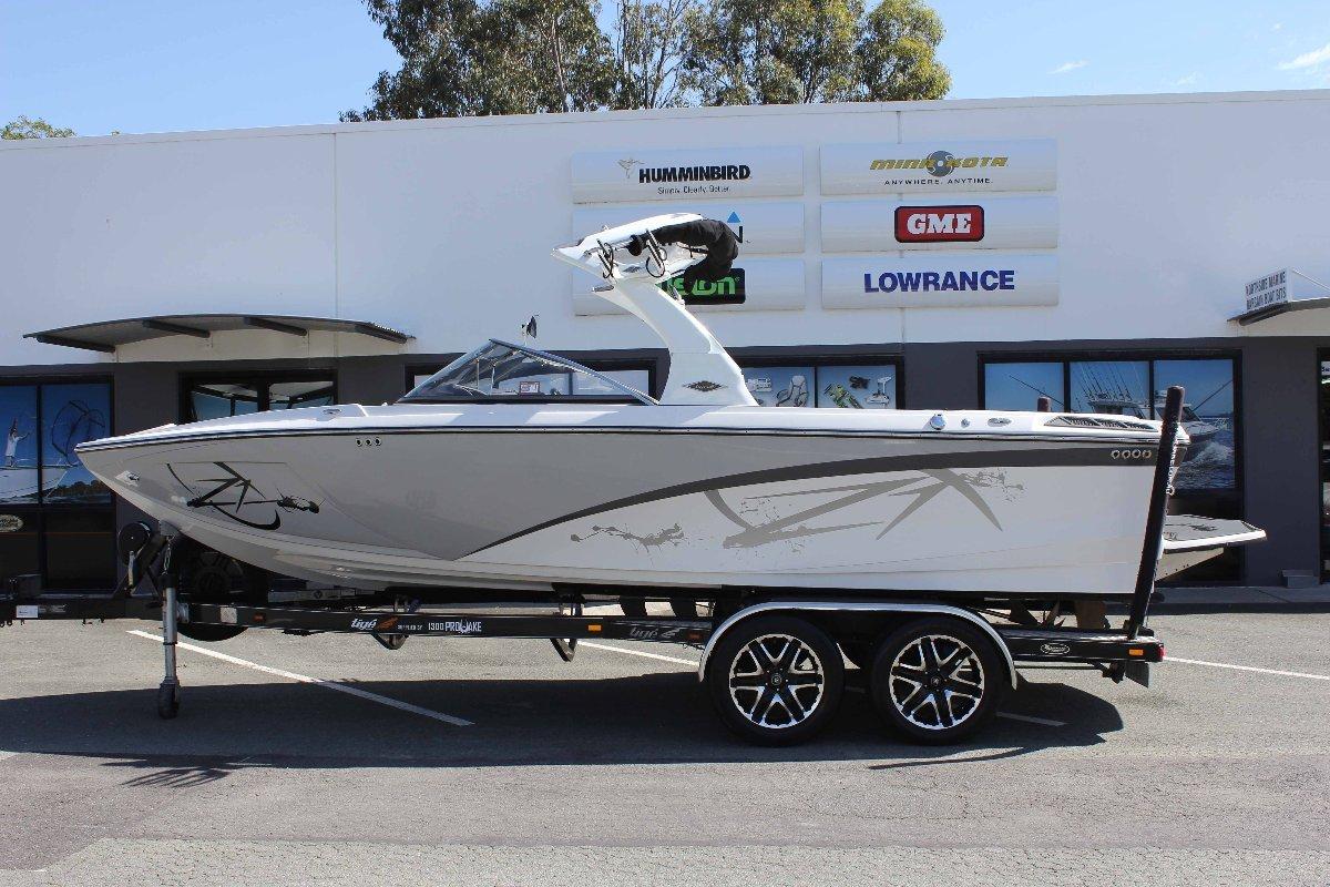 Tige Z1 + Indmar Fusion 5.7L 335hp Inboard