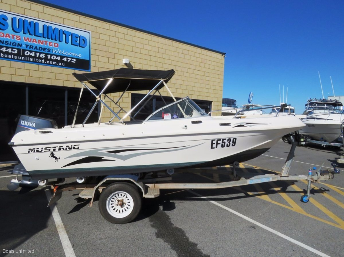 Mustang 1450 Bow Rider VERSATILE WITH VERY LOW HOURS SOFT RIDE