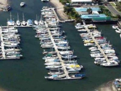 11 metre Marina berth E5 at Kawana Waters Marina
