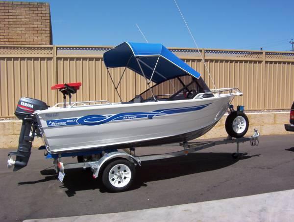 Stessco Skipper 429 Runabout
