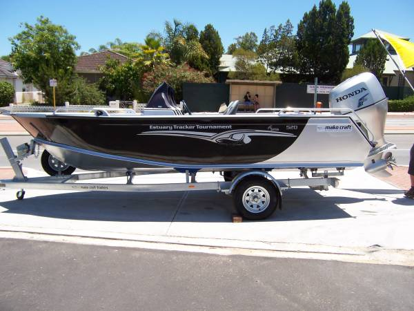 tracker boat location