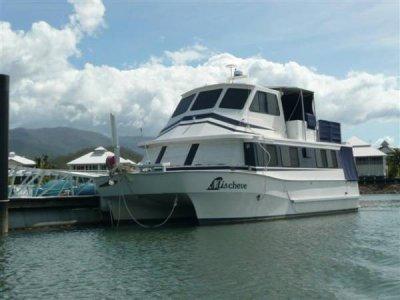 Nustar Catamaran - Liveaboard