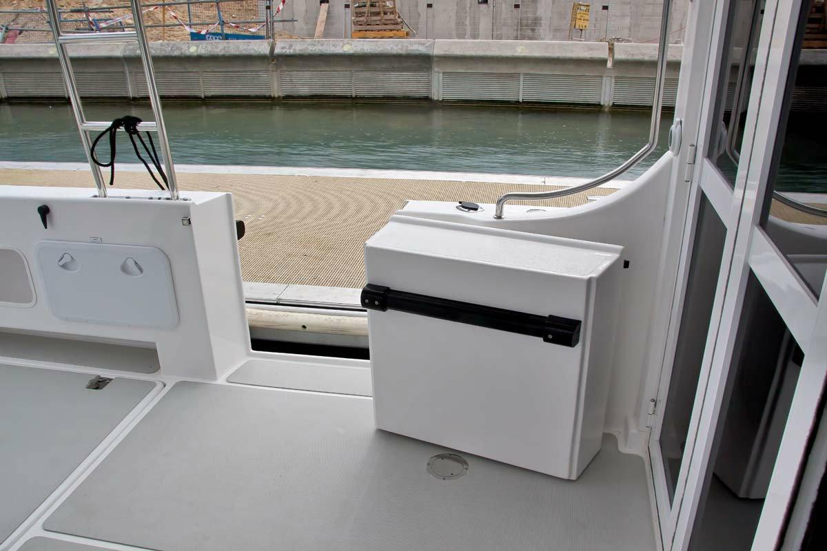 LeisureCat 9000 Kingfisher enclosed Cabin