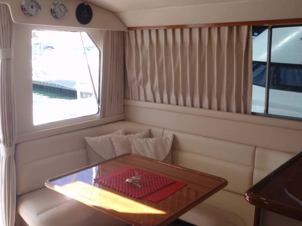 Caribbean 35 Flybridge Cruiser MK 3