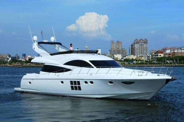 New Dyna 65 Motor Yacht