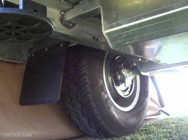 TOW LITE CAMPER 4X4