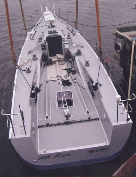 "Cape 40 Racing Yacht ""Mr Kite"""