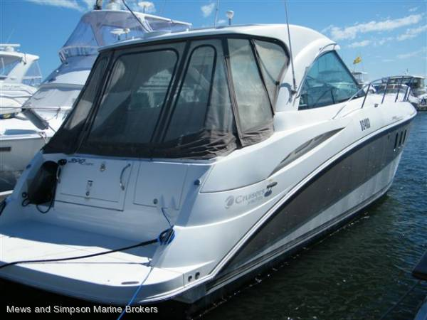 Cruisers Yachts 390 Coupe Ips ( Mustang, Riviera, Sea Ray)