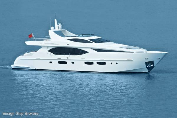 New IAG Yachts Electra 100