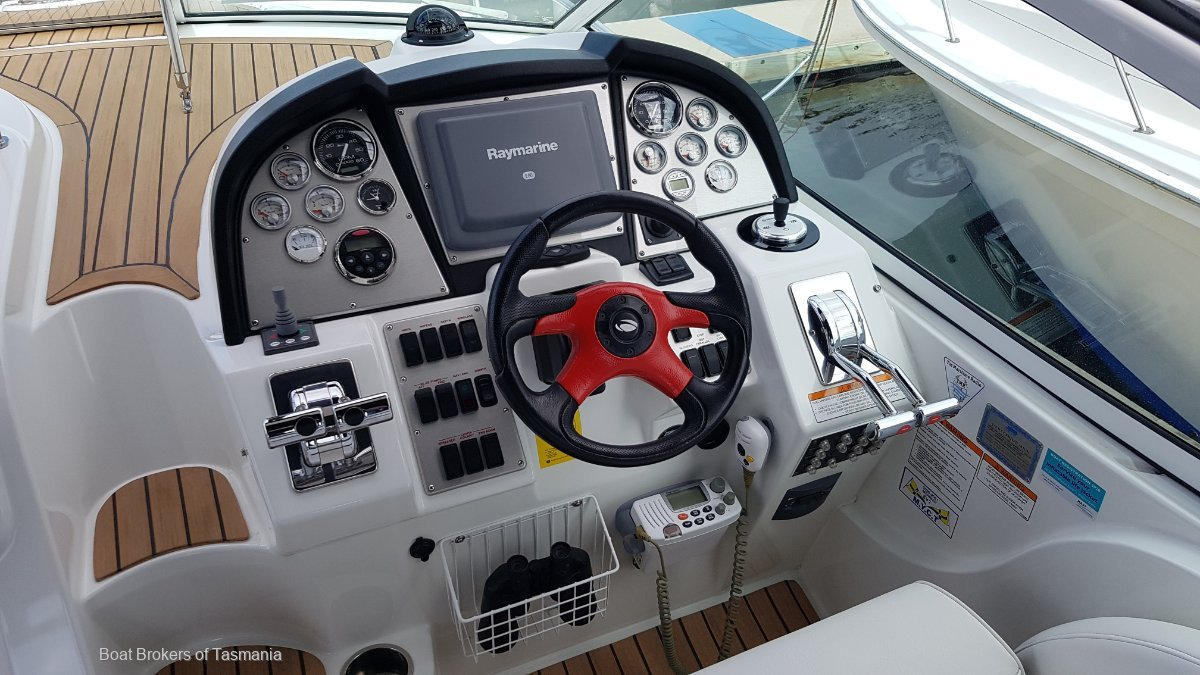 "Cruisers Yachts 330 ""As New"" Sports Cruiser. Shaft drives."