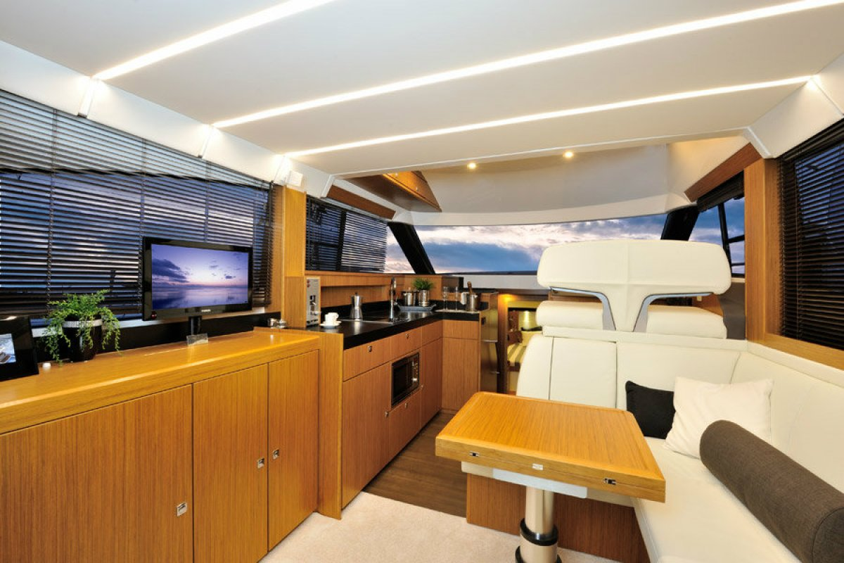 Bavaria Virtess Flybridge 420