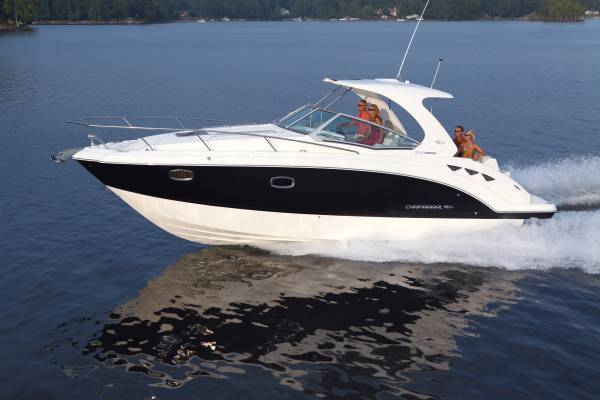 New Chaparral 330 Cruiser