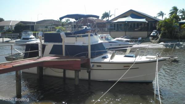 Aquarius 35 Mark II flybridge Cruiser