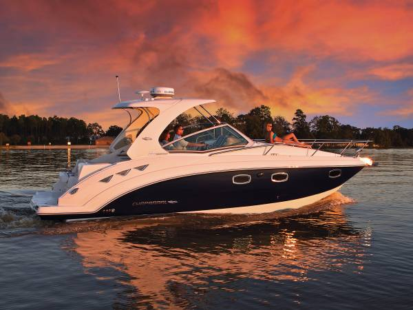 New Chaparral 310 Cruiser