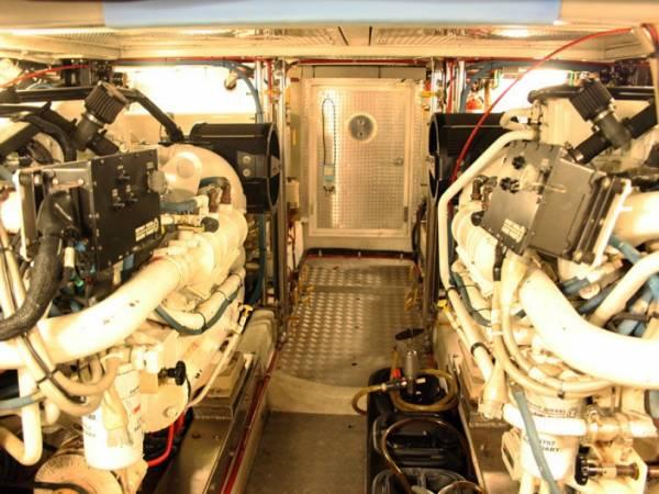 55' Offshore Flybridge Explorer Motor Yacht