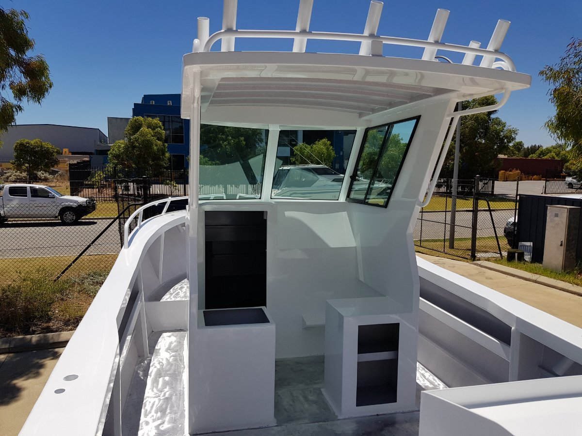 Oceanic Fabrication 6.8m center cabin