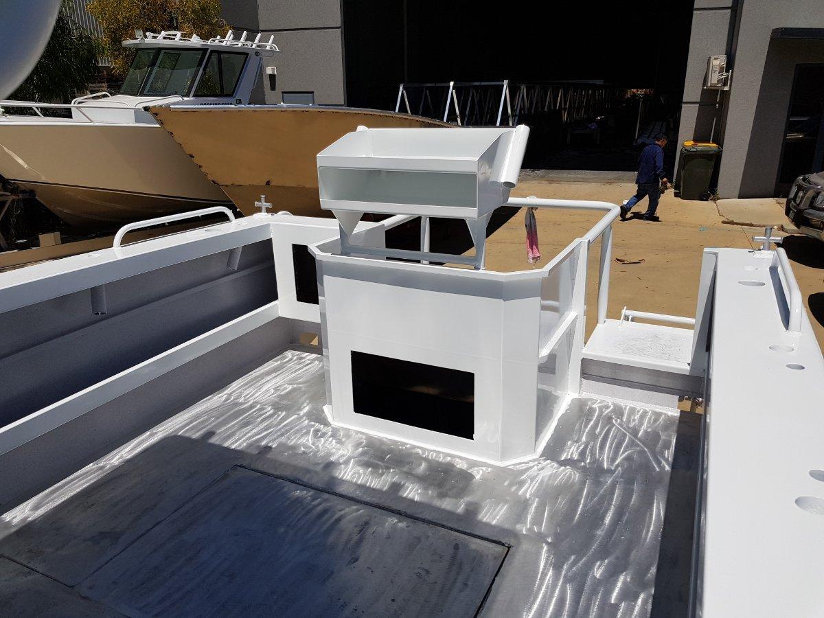 Oceanic Fabrication 6.8m center cabin