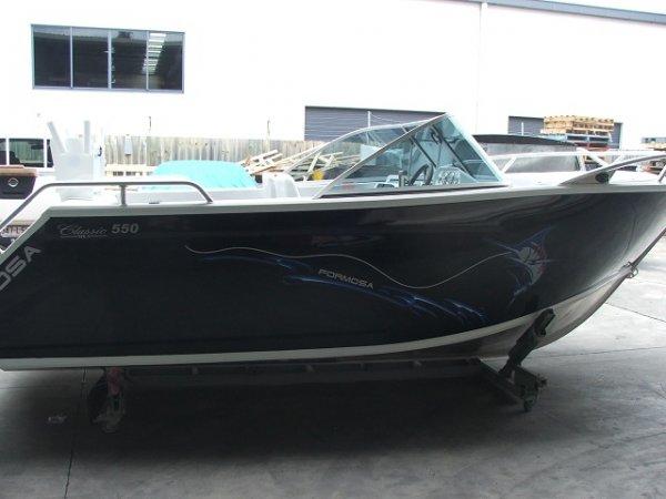 Formosa Tomahawk Classic 550 Bowrider