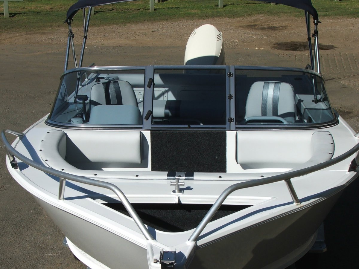 Formosa Tomahawk Offshore 550 Bowrider