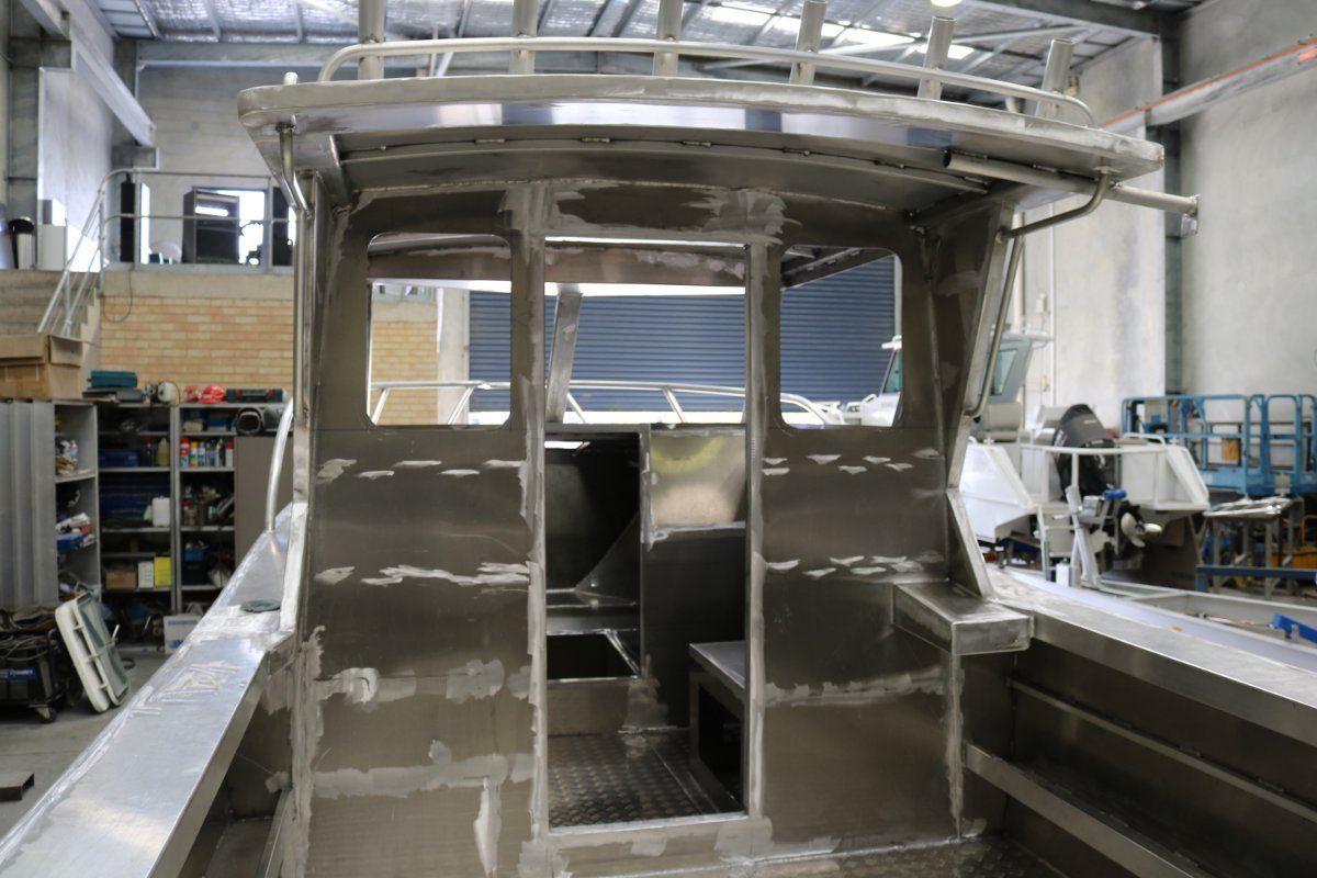 Oceanic Fabrication 8.0 Enclosed Cabin