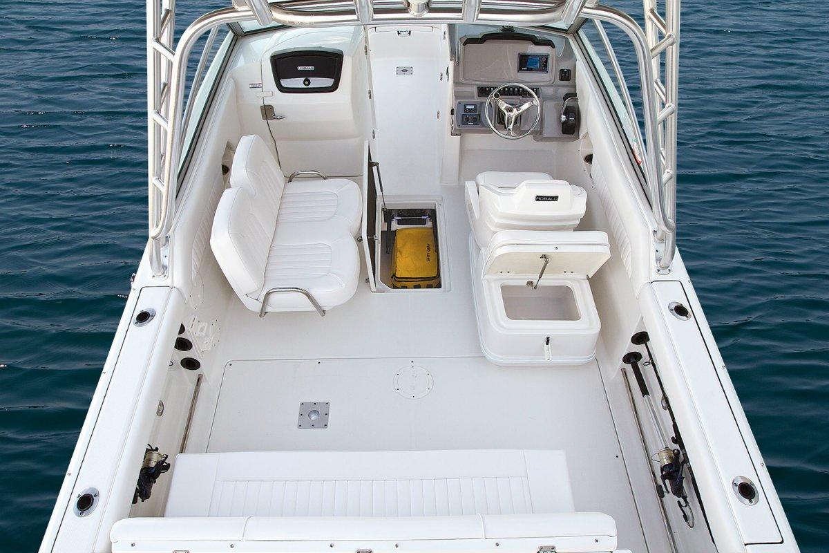 Robalo R247 Crossover Bowrider