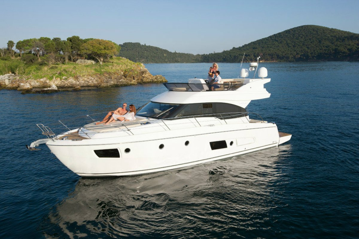 Bavaria Virtess 420 Flybridge