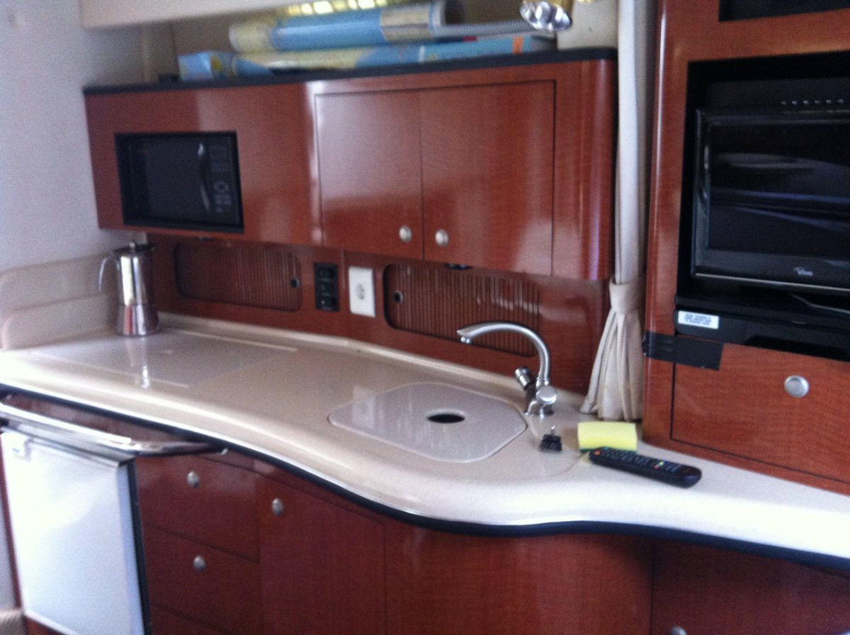 Sea Ray Sundancer 355