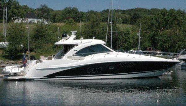 Sea Ray 460 Express Cruiser - Motor Yacht