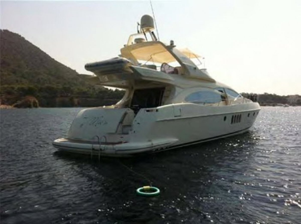 "21.2m (69'7"") AZIMUT Flybridge Cruiser"