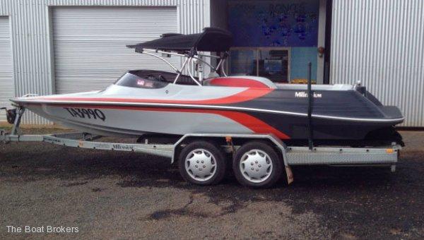 Lewis Boats Millennium Water Ski / Wake Boat