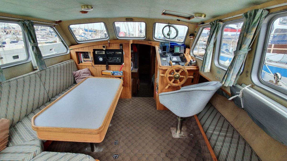Roberts 40 Pilot House Motorsailer