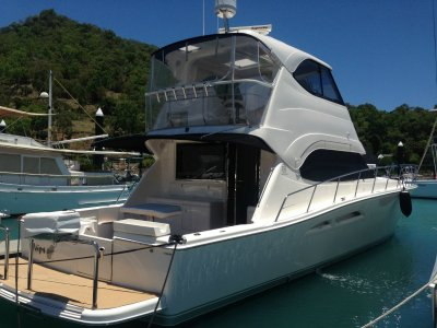 Riviera G11 Enclosed Flybridge- Click for more info...