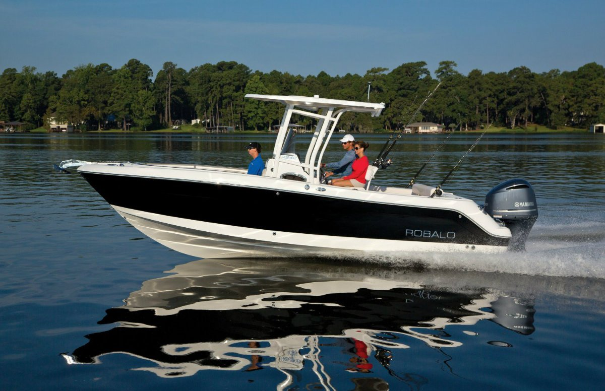 New robalo r242 center console offshore fishing boat for Off shore fishing boats