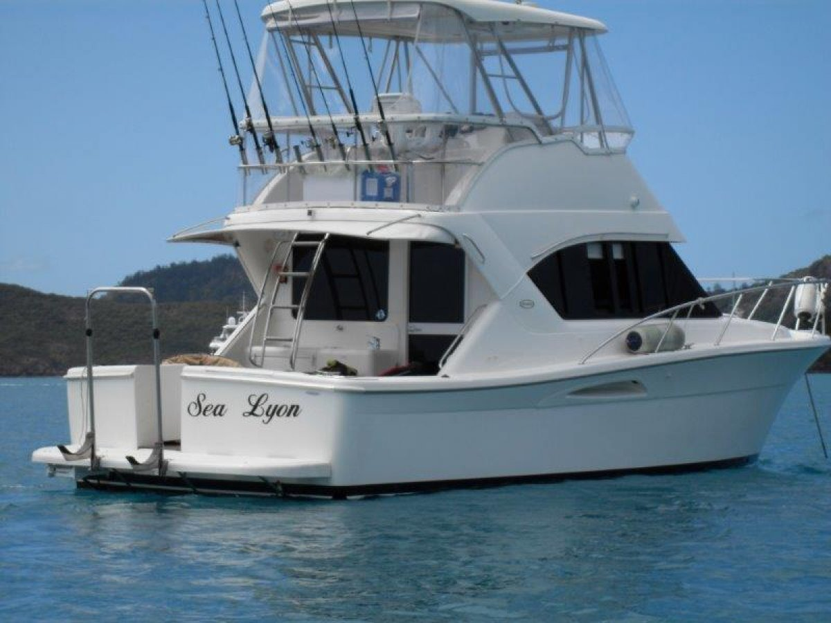 Riviera 3350 Open Flybridge