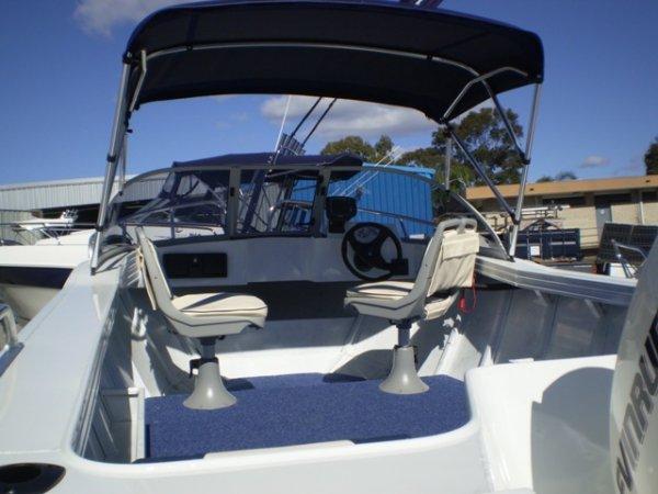 Aquamaster 460 Runabout