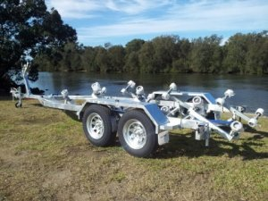 Boat Trailer suit up to 6.7m boat.