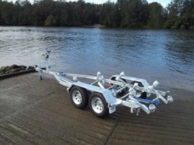 Tandem Boat trailer to suit boats 5.7m to 6.1m