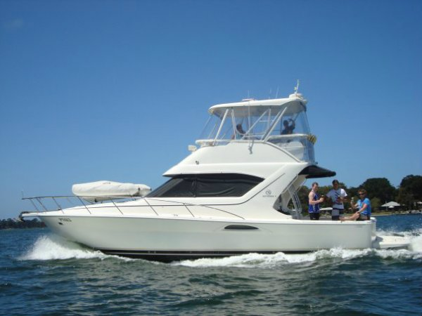 Mariner 3850 Flybridge Cruiser Boat Brokers of Tasmania